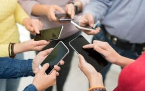 Take Advantage of How Much Time People Spend On Their Phones